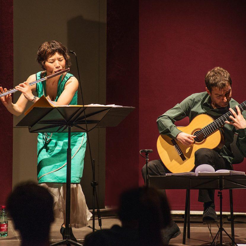 Atanas Ourkouzounov, Gitarre und Mie Ogura, Flöte